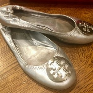 Tory Burch Silver Miller flats Classic, size 6